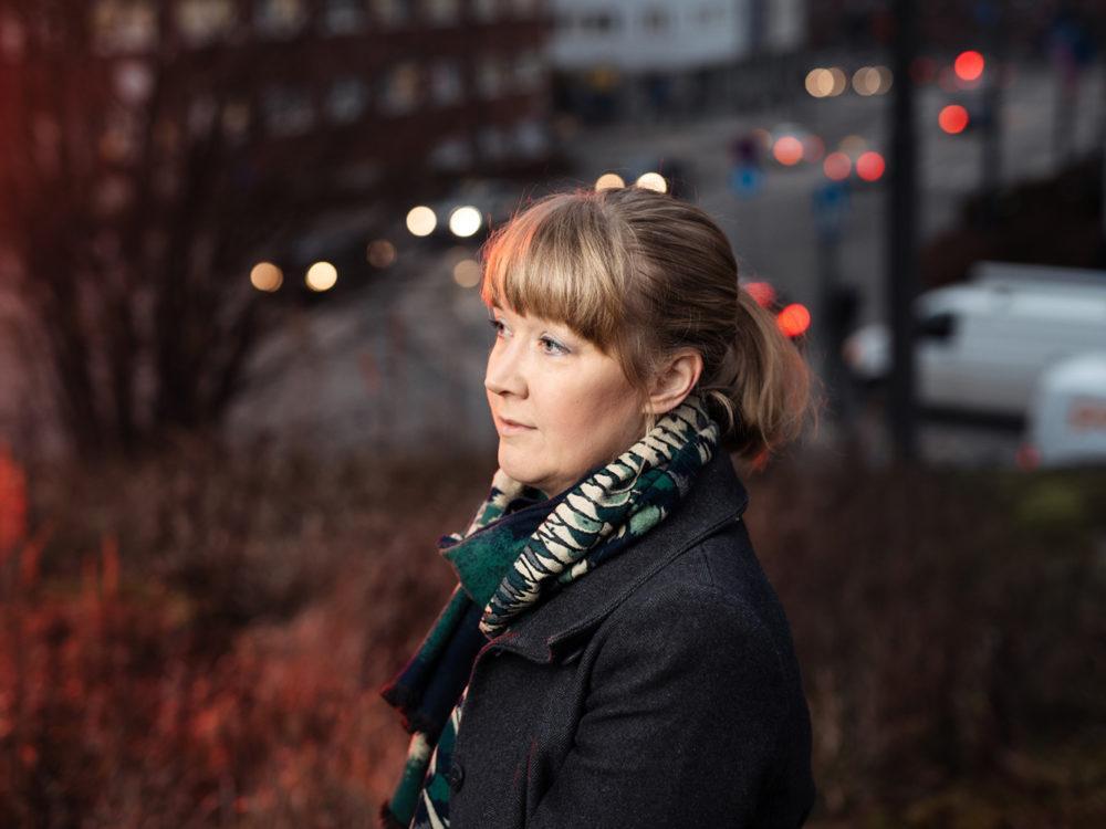 Kuvassa sosiaalipsykologian apulaisprofessori Nelli Hankonen