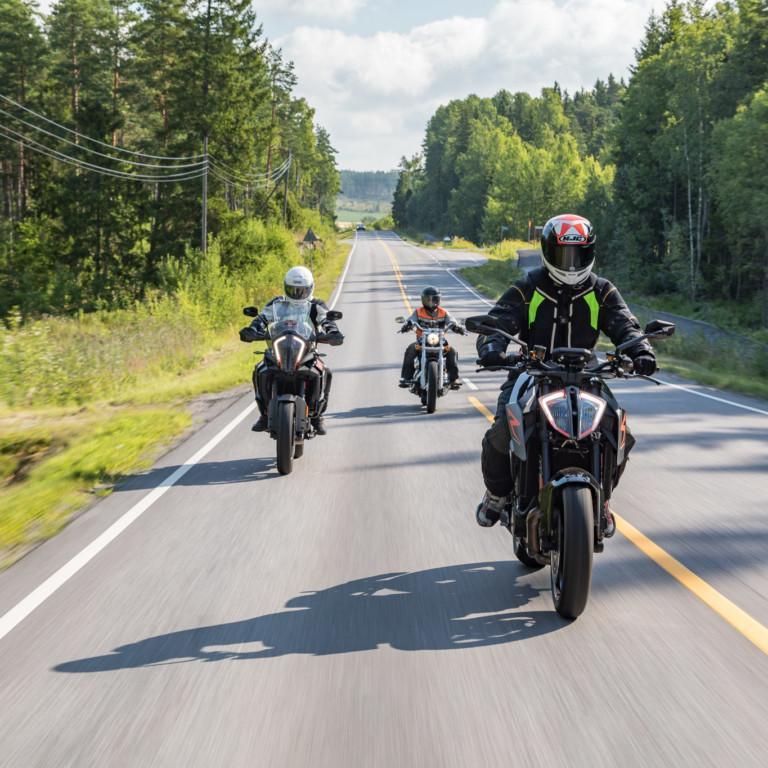 Moottoripyörät liikenteessä